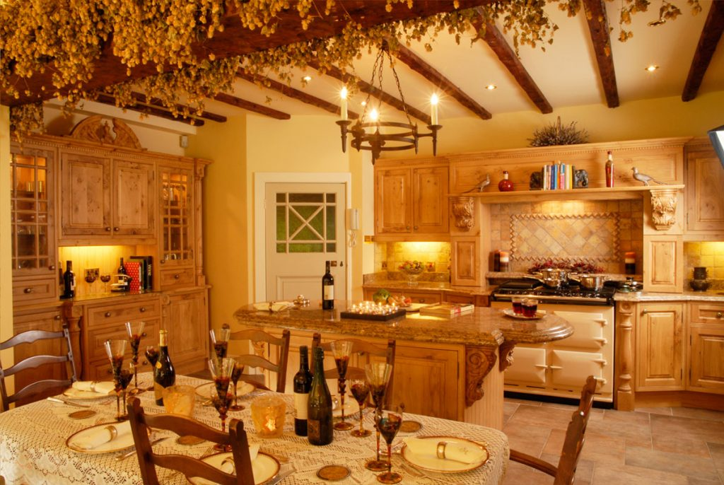 What is a \'luxury farmhouse kitchen\' ?