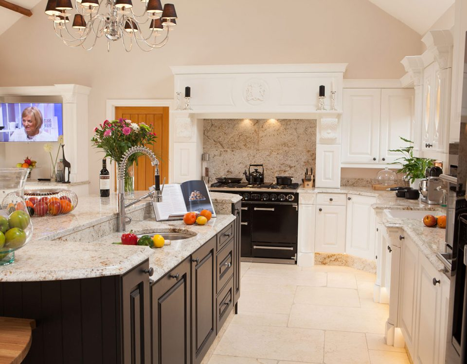PRIMROSE WHITE KITCHEN WITH CHARCOAL ISLAND
