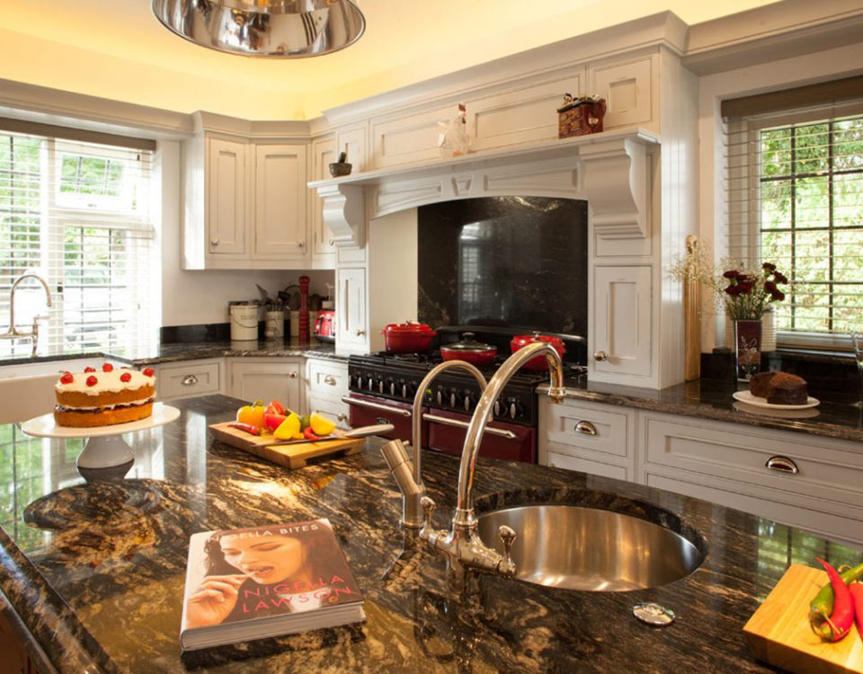 Elegant Broadway Luxury Shaker Kitchen